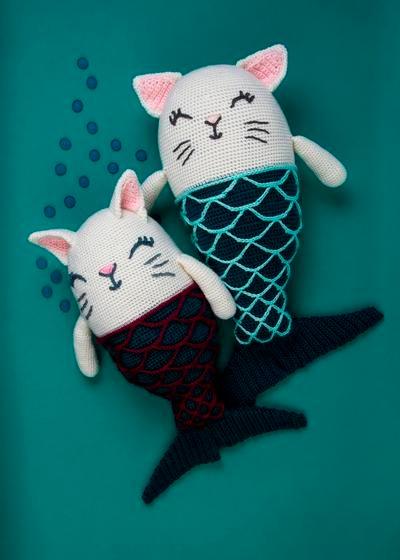 Bicolor Ragdoll Cat Pillow Crochet Pattern | Cat pillow pattern ... | 560x400