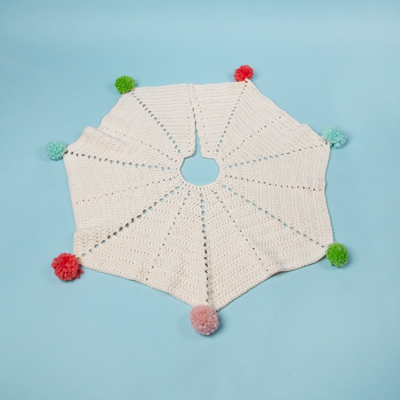 Pom-Pom Tree Skirt Free Crochet Pattern