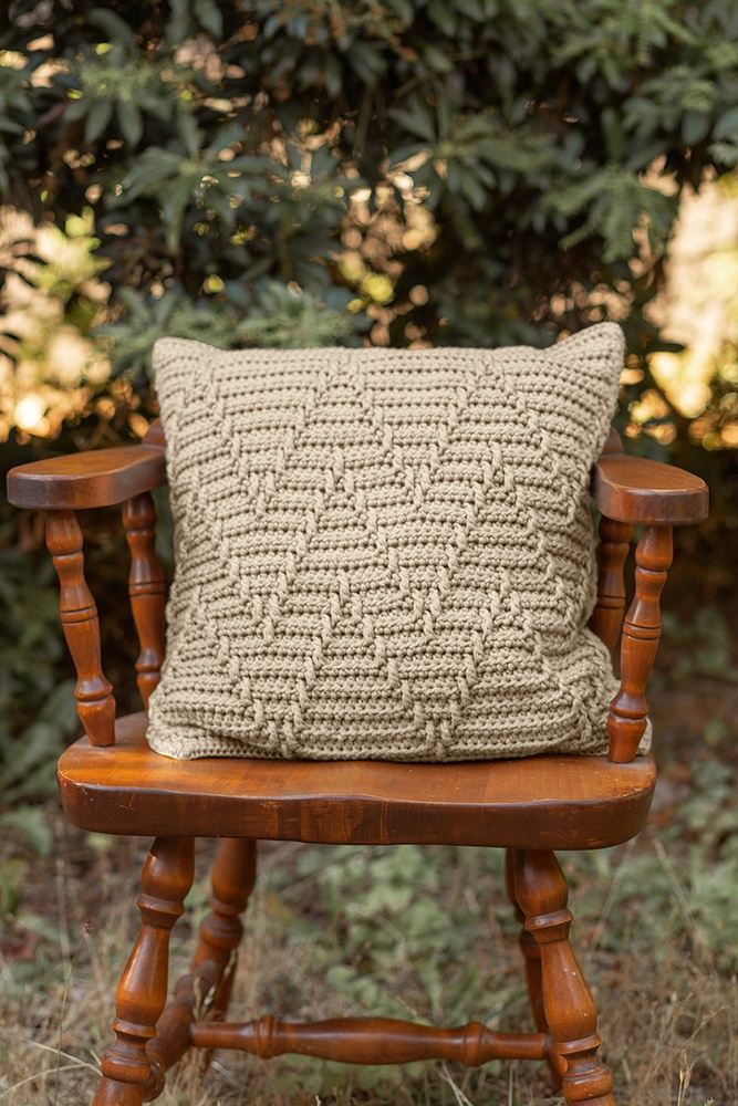 Winter Cabin Pillow Free Crochet Pattern