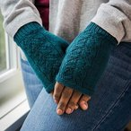 Lace Tracks Mitts