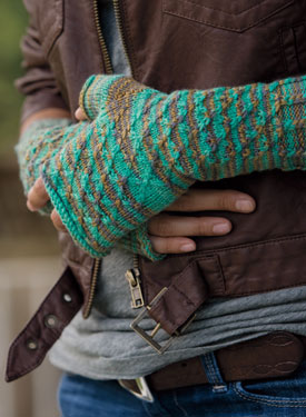 Diamond Trellis Fingerless Gloves