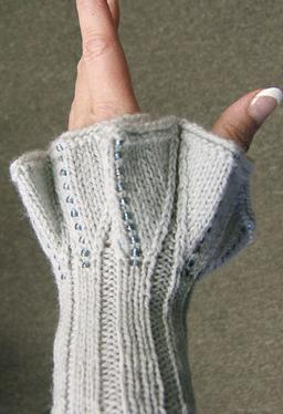 Fabulous Wrist Dickey - Knitting Patterns and Crochet Patterns from ...