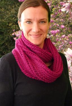 Raspberry Soda Crochet Cowl