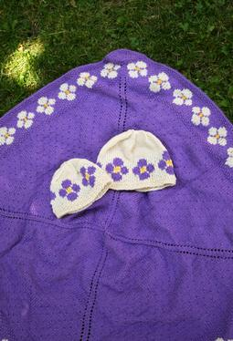 Daisy Chain Blanket and Pretty Posies Hat