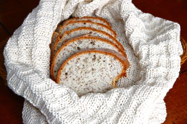 At Home Dining: Bread Basket Cloth & Warming Companion Pattern