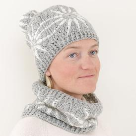 Polar Star Crochet Beanie and Cowl Set