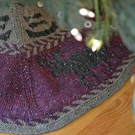 Northern Holiday II Tree Skirt