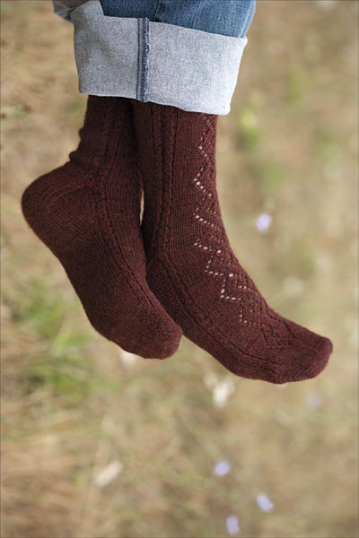 Lace & Cable Socks Pattern