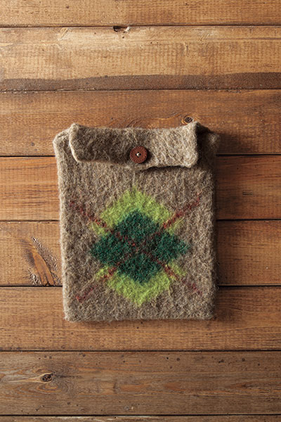 Felted Tablet Cozies - Argyle version