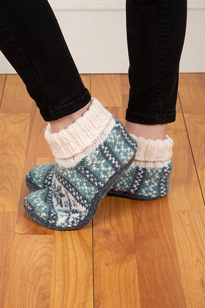 Frost Slippers - Knitting Patterns and Crochet Patterns from ...