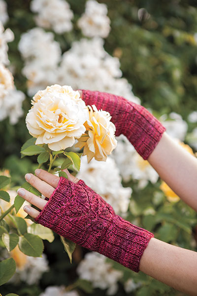 Heart Lace Mitts