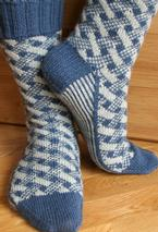 Plaid Play: Lattice Socks Pattern