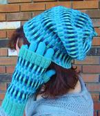 Dueling Gradients: Slouchy Hat & Mitts Set Pattern