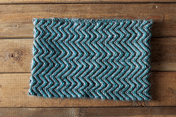 Peaks and Valleys Cowl Pattern