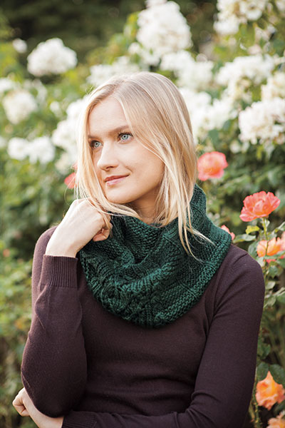 Double Leaf Cowl Pattern