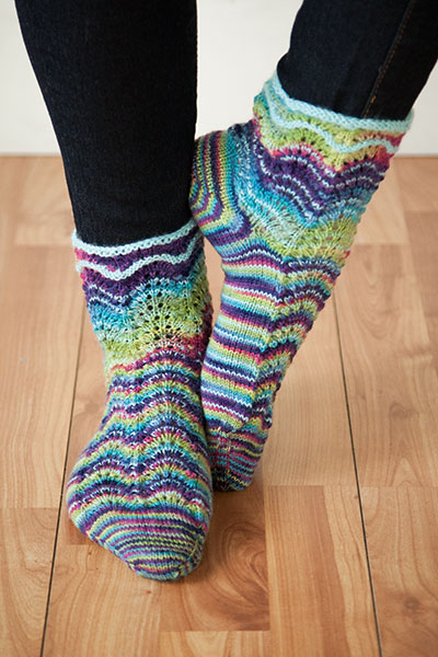 Rainbow Wave Socks Pattern
