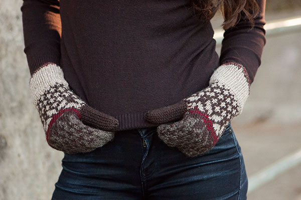 Classical Snow Mittens Pattern