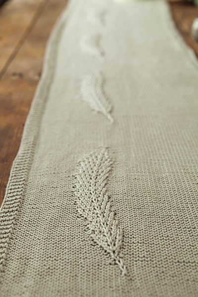 Feather Table Runner Pattern