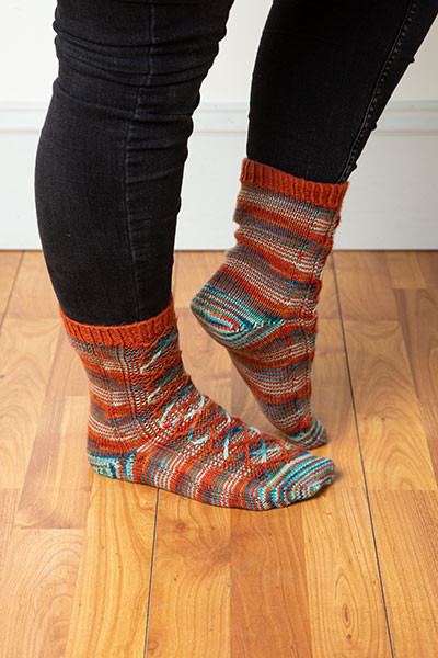 Helix Diamonds Socks Pattern